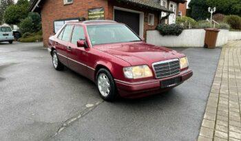 Mercedes-Benz 200 mit LPG und Schiebedach voll